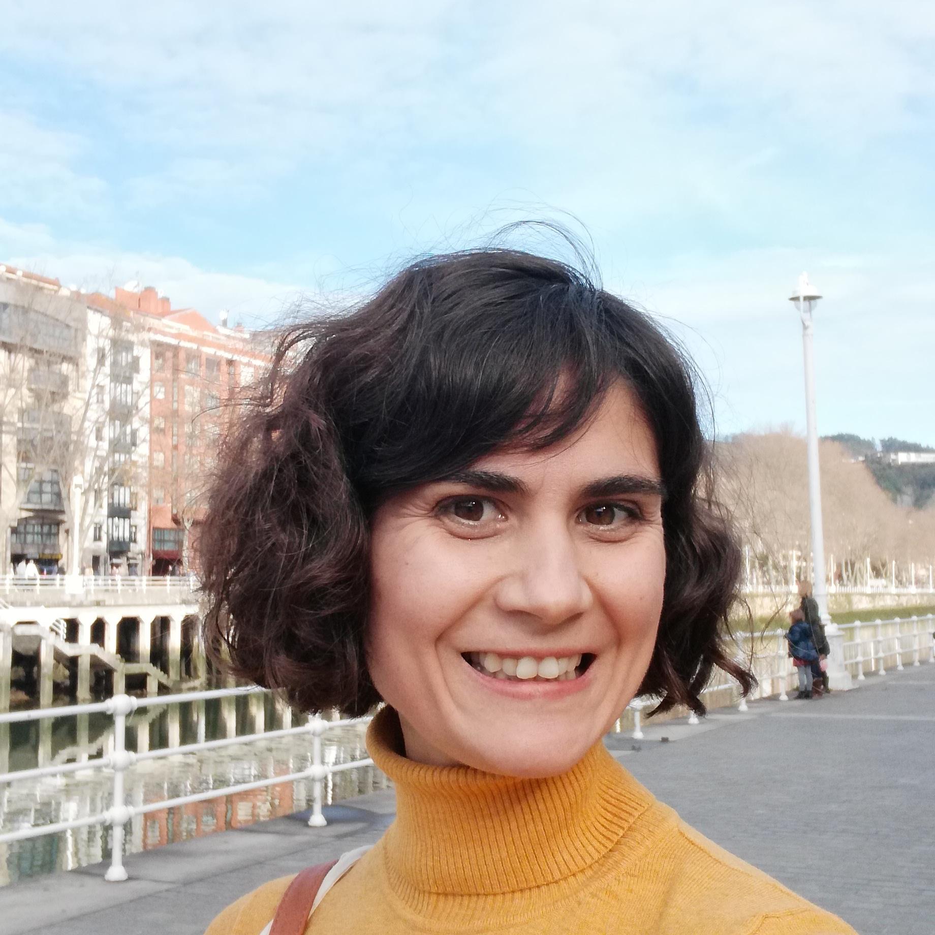 Sobre Mí Ángela Moreno
