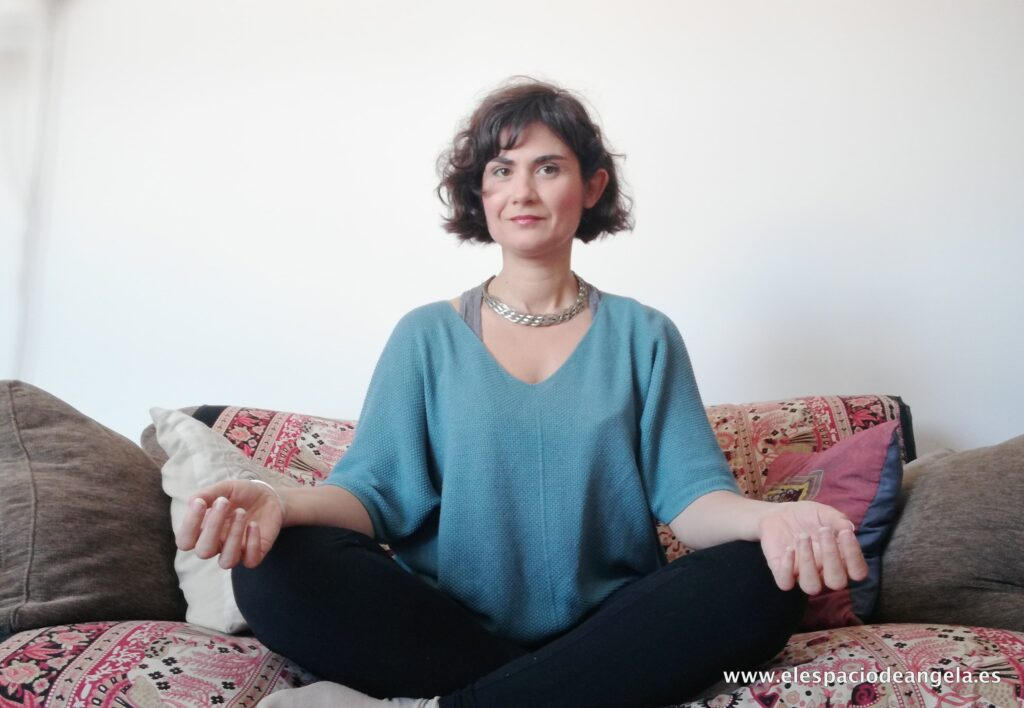 1 angela logroño mindfulness y crecimiento personal 1024x708 - Talleres y Cursos