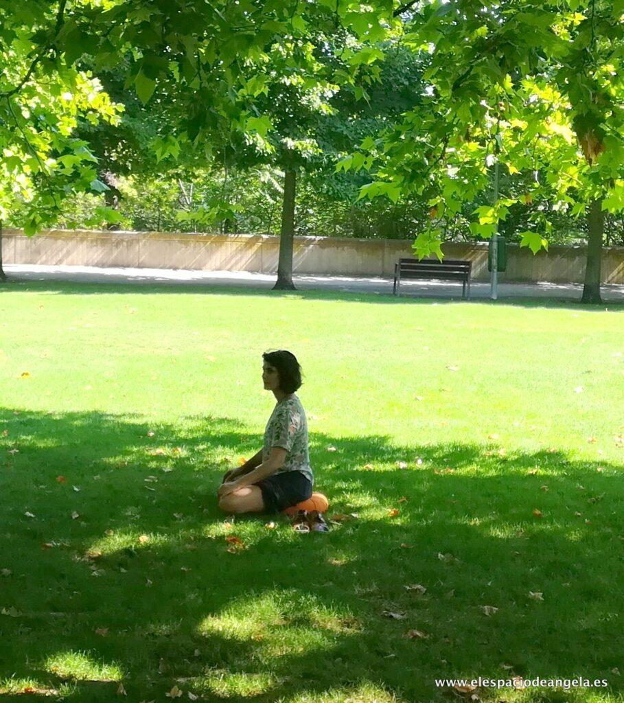 1 angela mindfulness ebro 382019 6 909x1024 - Sobre Mí Ángela Moreno